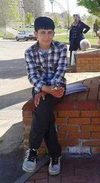 İntihar Eden Gencin Cesedi Adli Tıp Kurumuna Götürüldü