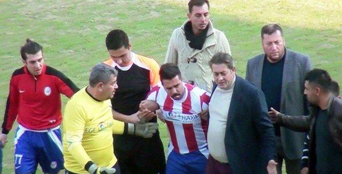 Rakip Takımın Oyuncusunun Suratına Tekme Atan Futbolcu Hakim Karşısına Çıkıyor