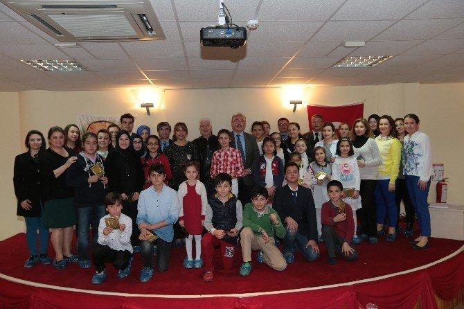Bilgi Evi Öğrencilerden İstiklal Marşı'nı Güzel Okula Yarışması
