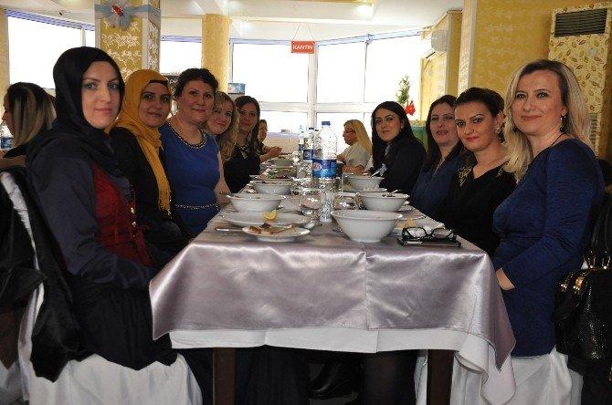 Kadınlar Dostluk Yemeğinde Buluştu