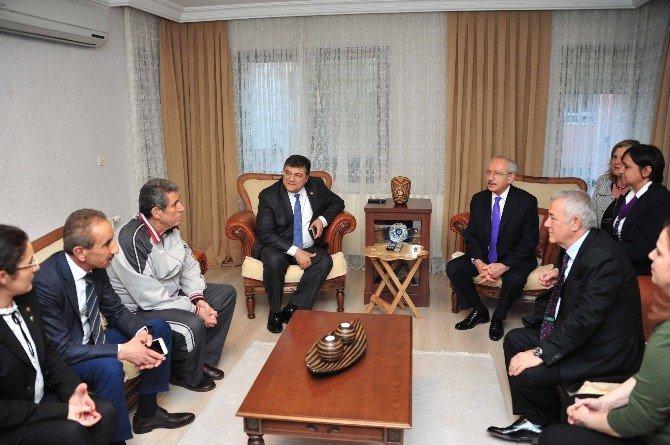 Kılıçdaroğlu'ndan CHP'li Başkana Geçmiş Olsun Ziyareti