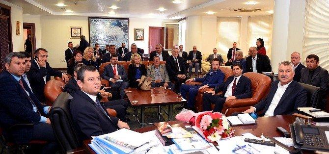 CHP Grup Başkanvekili Özel'den Başkan Karalar'a Ziyaret