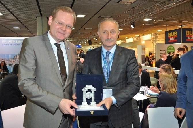 Didim Heyeti, Itb Berlin Fuarında Drv Genel Sekreteri İle Görüştü