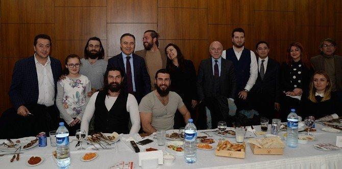 """""""Diriliş Ertuğrul"""" Erzurum'da Ödüllendirildi"""