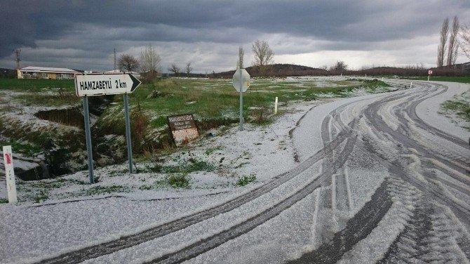 Edirne'de Yağan Dolu Tarım Arazilerine Zarar Verdi