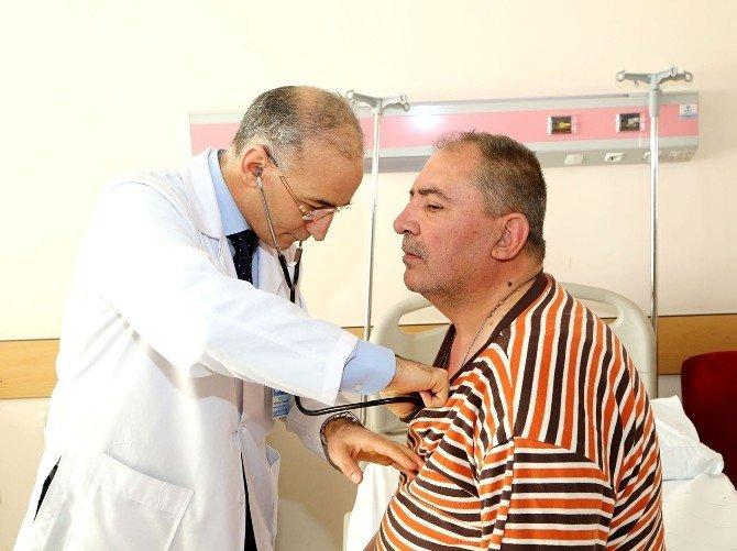 Ameliyatla İyileşeceği Söylenen Hastalar ERÜ'de Ameliyatsız Biçimde Sağlığına Kavuştu
