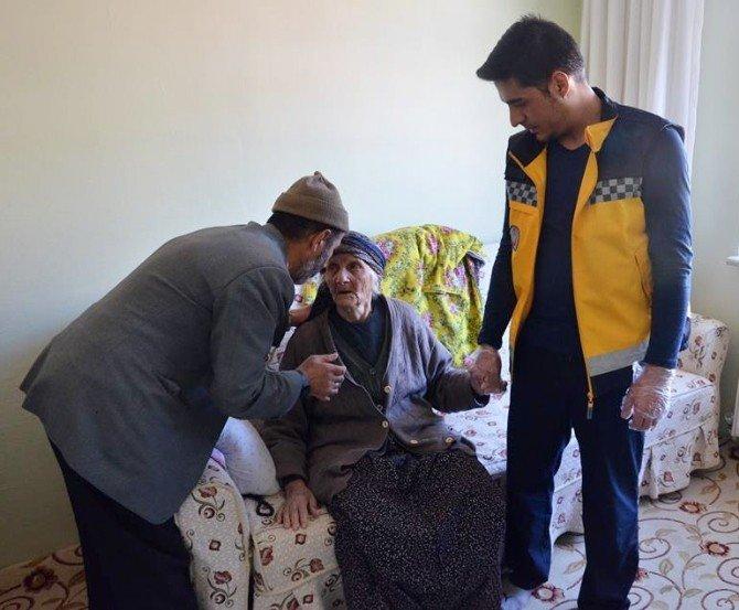 Evde Kilitli Kalan Yaşlı Kadın Polisi Harekete Geçirdi