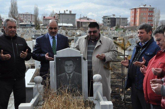 Gazeteci Öner Daşdelen Mezarı Başında Anıldı