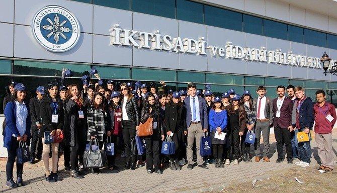 Lise Öğrencileri, ARÜ'ye Hayran Kaldı