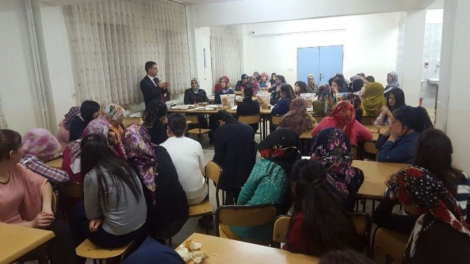 Hamur'da Öğrencilere Moral Gecesi