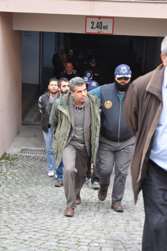 HDP il eş başkanlarının da aralarında bulunduğu 24 kişi adliyeye sevk edildi
