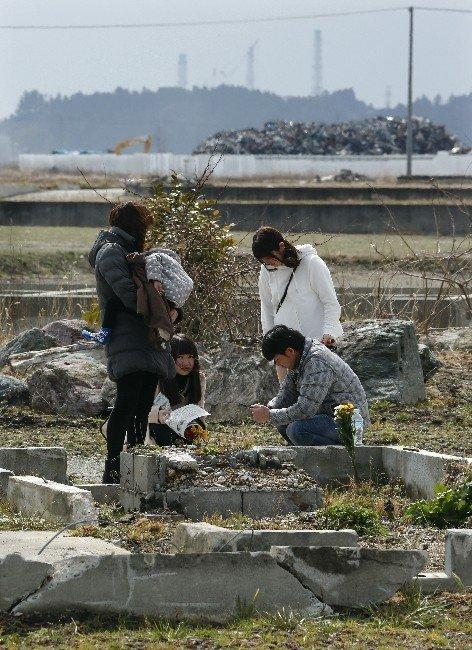 Japonya, 2011 Yılında Meydana Gelen Deprem Ve Tsunamide Hayatını Kaybedenleri Andı