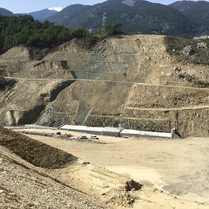 Kapıçay Barajında Taban Kazılarına Başlandı