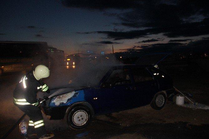 Alev Alan Otomobil Korku Dolu Anlar Yaşattı