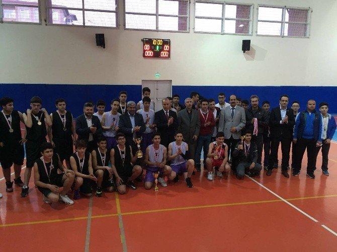 Eryılmaz, Turnuvada Şampiyon Kilis Belediyespor'u Tebrik Etti