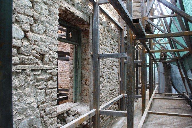 Manisa Büyükşehir Belediyesi Tarihe Işık Tutuyor