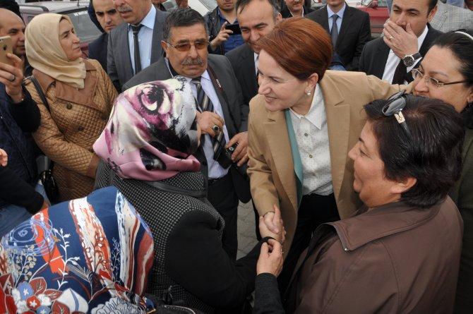 Meral Akşener, mehter marşıyla karşılandı