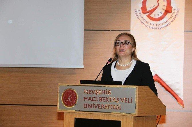 Nehü'de 'İslam Ve Kadın' İle 'Toplumsal Cinsiyet Ve Yansımaları' Konulu Panel Düzenlendi