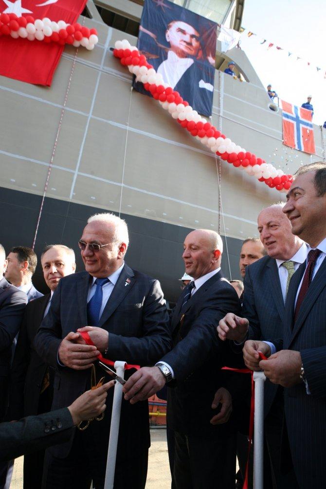 Norveç için üretilen canlı balık gemisi denize indirildi