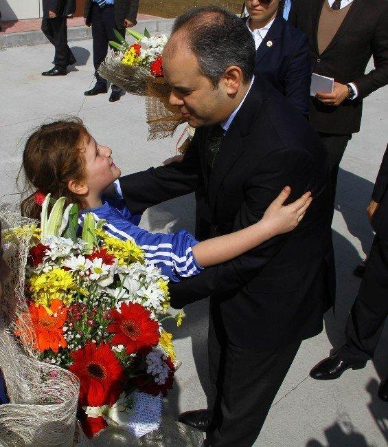 Bakan Kılıç Dedesinin Adını Taşıyan Okulu Hizmete Açtı