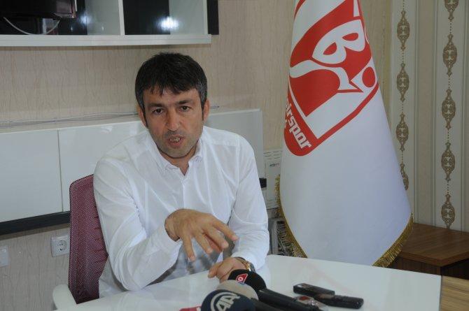 Balıkesirspor Teknik Direktör Reha Kemal Erginer ile sözleşme imzaladı