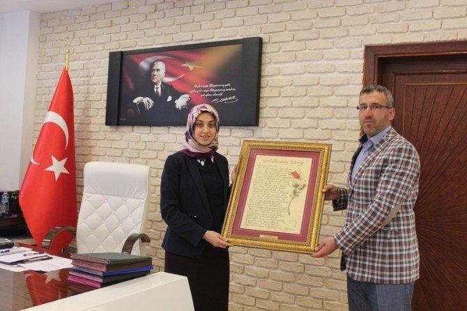 Başkan Güler'den İlk Başörtülü Kaymakam Kısa'ya Hayırlı Olsun Ziyareti