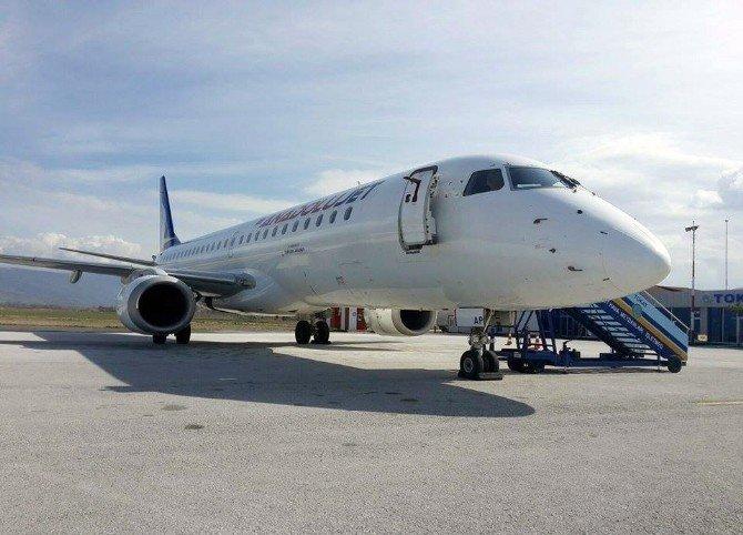 Motoruna Kuş Giren Uçak Teknik Kontrolün Ardından Ankara'ya Havalandı