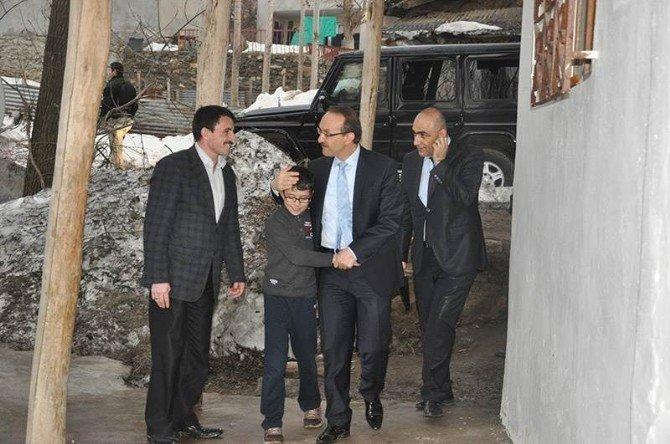 Vali Yavuz'dan Şehit Ailelerine Ziyaret