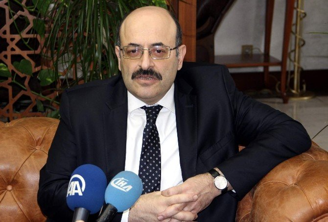 """YÖK Başkanı Saraç: """"Üniversite Öğrencileri Bilinçsiz Tercih Yaptığı İçin Yeniden Sınava Giriyor"""""""