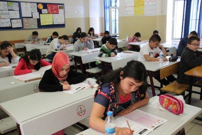 Zeytinburnu Geleneksel Kitap Okuma Yarışması Başlıyor