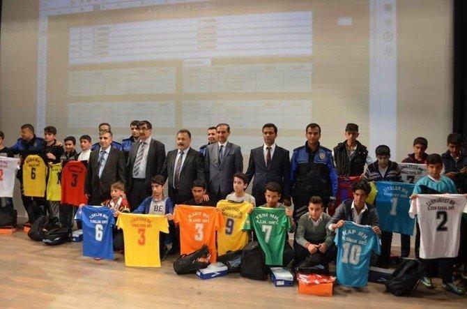 Mahalli Futbol Liginin Açılışı Yapıldı