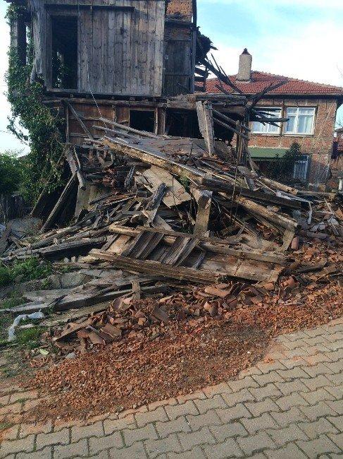 Akçakoca'da Tarih TEK TEK Yok Oluyor