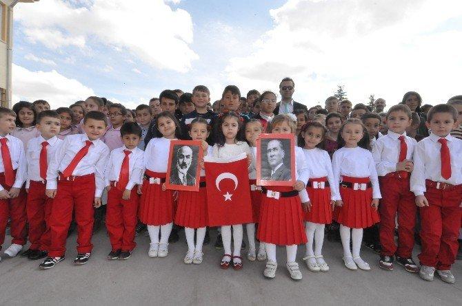 Osmaniye'de İstiklal Marşı Coşkusu