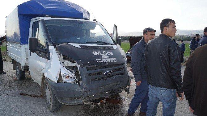 Ankara'da Trafik Kazası: 1 Ölü, 3 Yaralı