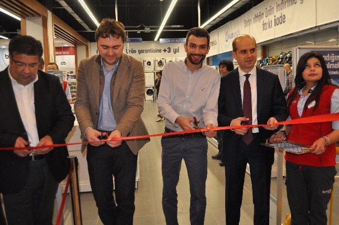 Bimeks'in Afyonkarahisar'daki Mağazası Hizmete Girdi