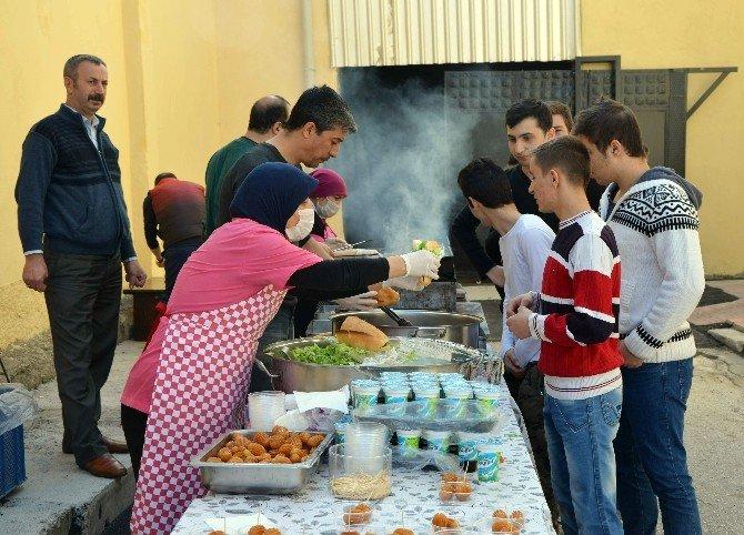 Atatürk Lisesi Öğrencilerine YGS Pikniği