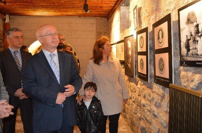 Kültür Bakanlığı'nın Mehmet Akif Ersoy Arşivi Kayseri'de Sergilendi