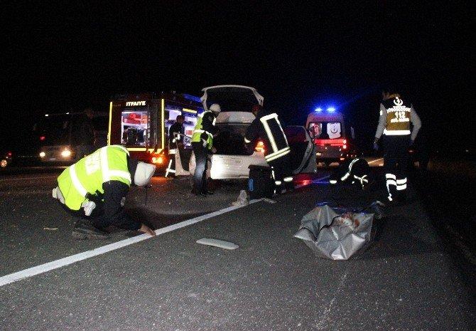 Polis Memuru Kazada Hayatını Kaybetti, Hemşire Eşi Ağır Yaralandı