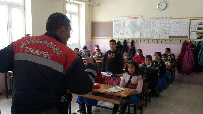 Kulu'da Jandarma'dan Öğrencilere Trafik Eğitimi