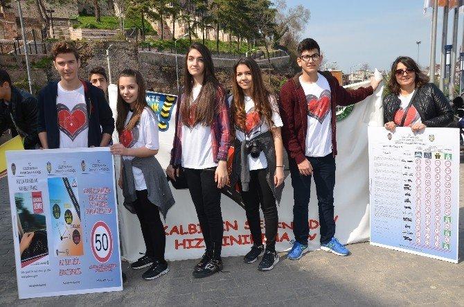 Liseli Gençlerden Örnek Proje