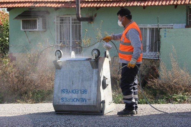 Menderes'te Çöp Konteynerlerine Bakım