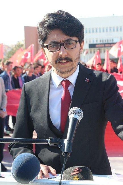 Niğde AK Parti Gençlik Kolları İstiklal Marşının 95. Yıl Dönümü Kutladı