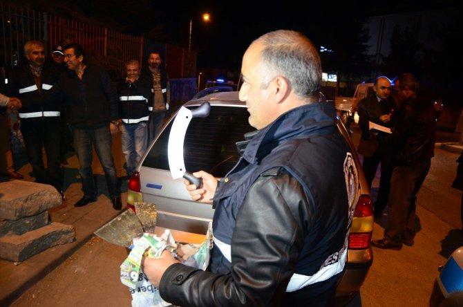 Ankara'da zabıtanın seyyar satıcı araçlarıyla imtihanı