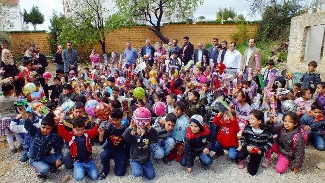 Antalya'daki Suriyelilere Yardım Eli