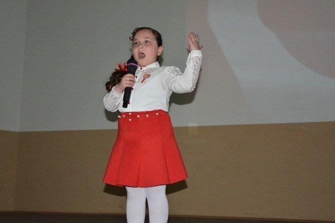 Suriyeli Küçük Kız, İstiklal Marşı'nın Tamamını Ezbere Okudu