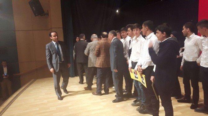 Tatvan'da İstiklal Marşı'nın Kabulü Ve Mehmet Akif Ersoy'u Anma Günü Programı Düzenlendi