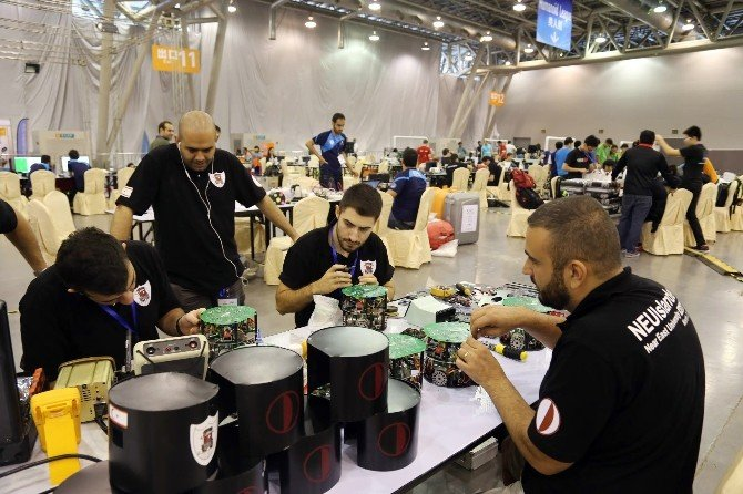 Yakın Dou Üniversitesi Robotları Dünya Kupası'nda