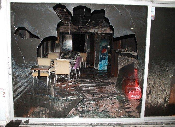 Manavgat'ta Bar Yangını