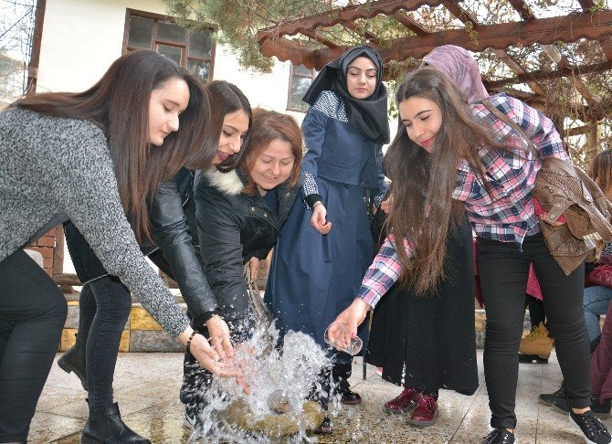 YGS Sınavı Öncesi Akıl Suyu'na Akın Ettiler
