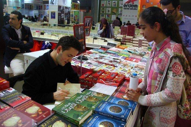 Kitap Kurdu Bilgi Evi Öğrencileri Cnr EXPO Kitap Fuarı'nda